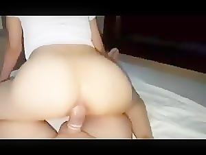Pretty babe loves anal